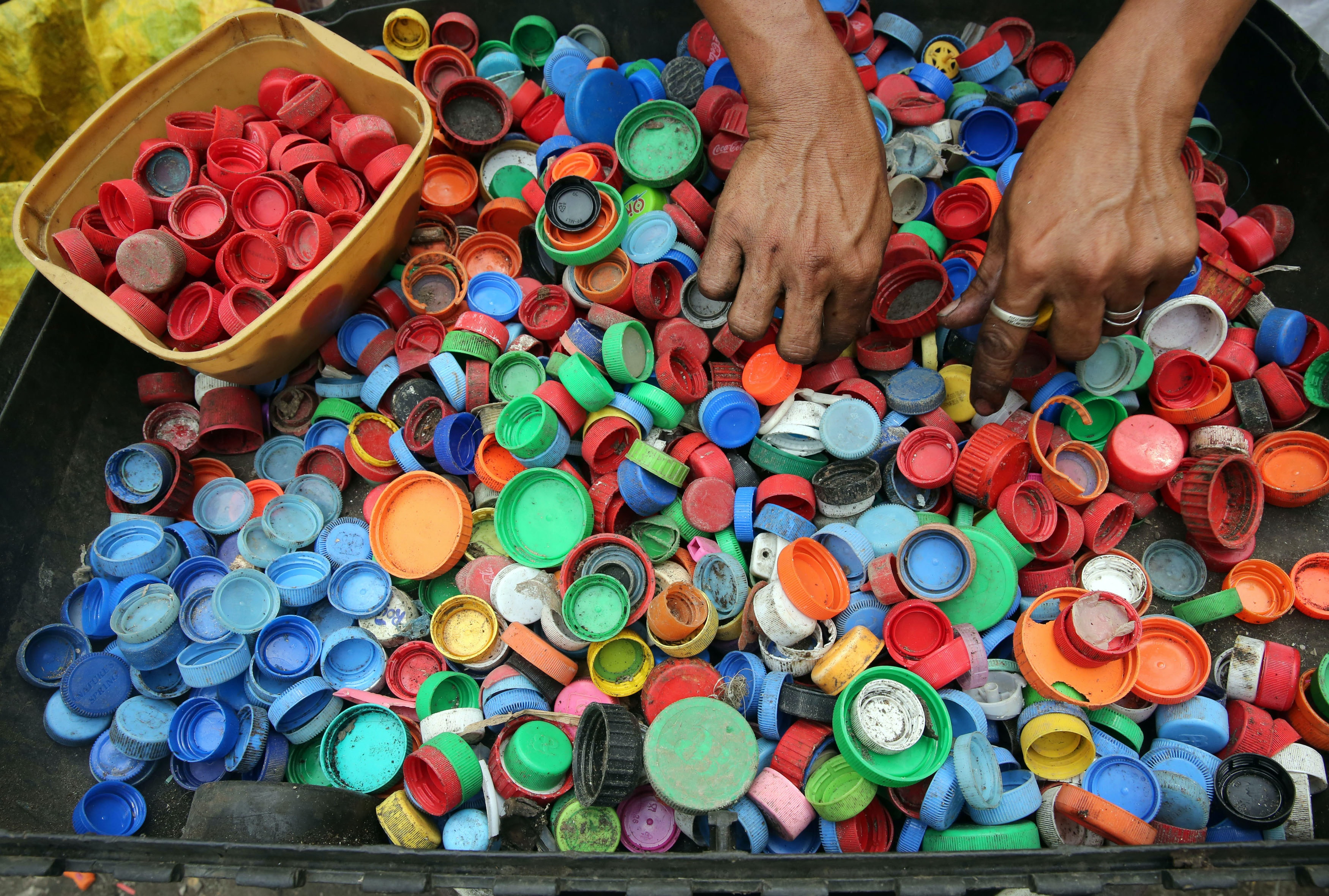 Difference Between Recycling and Upcycling
