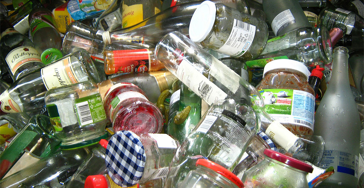 A Step-by-Step Guide to Glass Recycling and Reusing